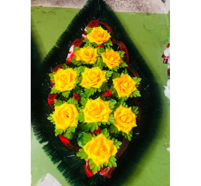 Венок девятка роза желтая